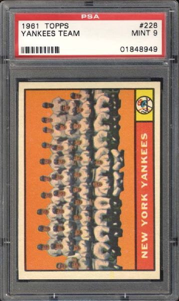 1961 Topps #228 Yankees Team PSA 9 MINT